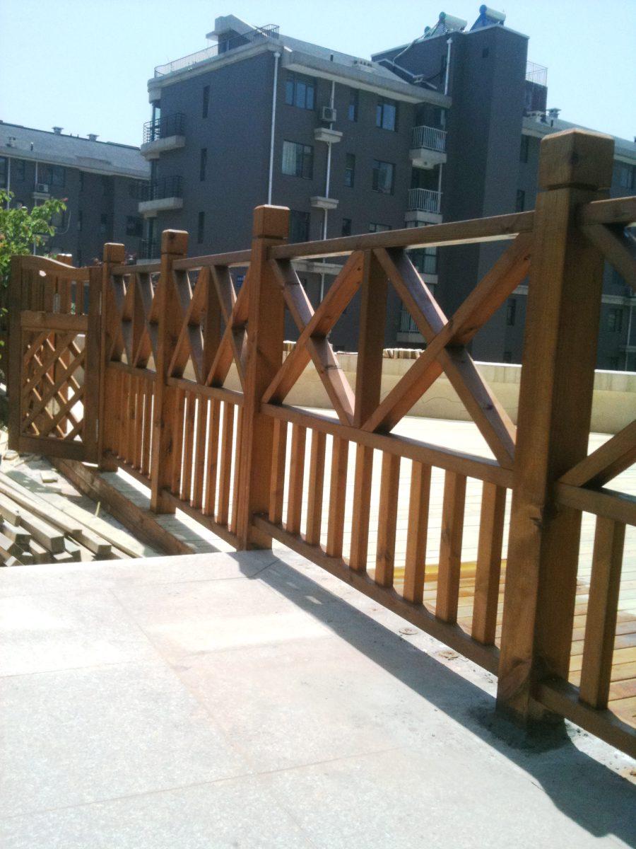 户外护栏-防腐木栅栏-深圳市联点空间景观有限公司